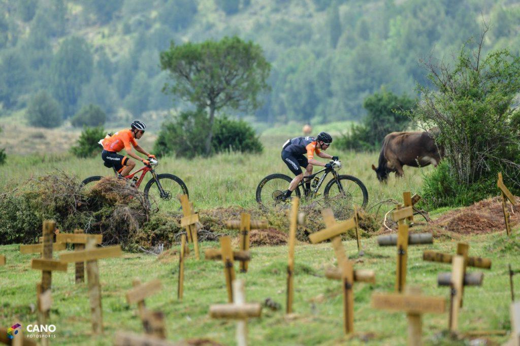 Ramón Sagues e Ismael Ventura y Charlotte Davies y Mercé Pacios ganadores de Colina Triste UCI