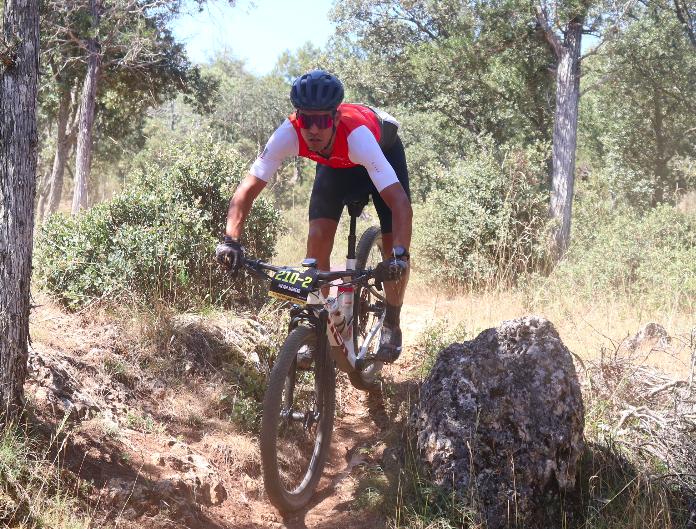 Hans Becking, Jose Dias, Arantxa Salvadó y Lourdes Cayetano ganan la primera etapa y son los primeros líderes de Colina Triste UCI S1